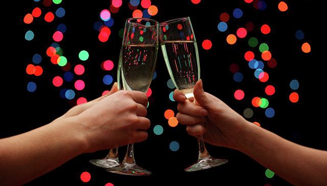 Российские производители не будут повышать цены на шампанское к Новому году