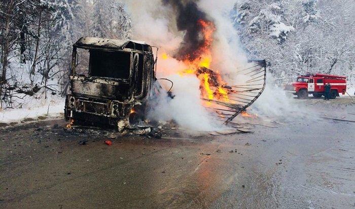 Натрассе «Байкал» загорелась фура Renault Magnum 24ноября