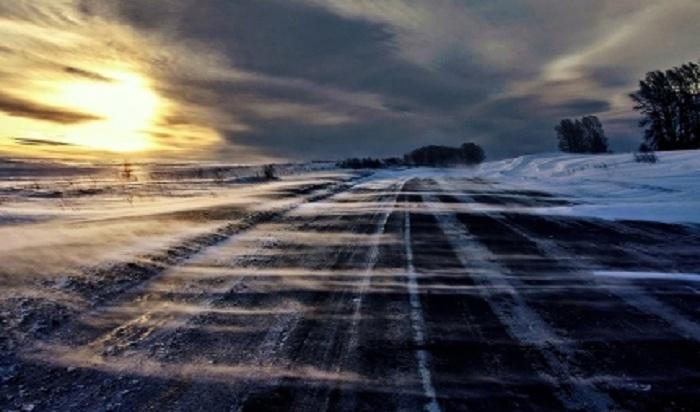 Натрассе вШелеховском районе временно ограничили движение транспорта из-за непогоды