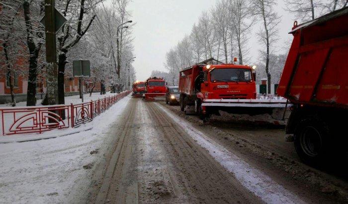 С улиц Иркутска вывезут более тысячи тонн снега