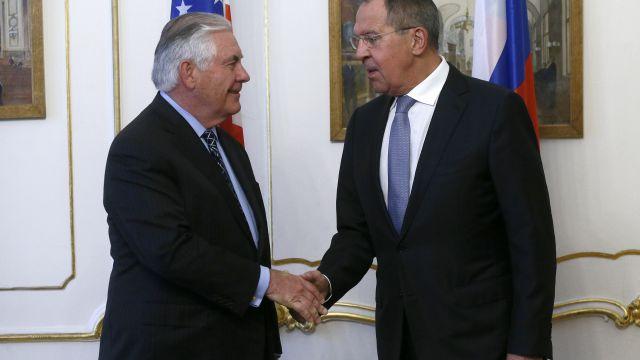 Тиллерсон заявил о «хорошем диалоге» с Лавровым