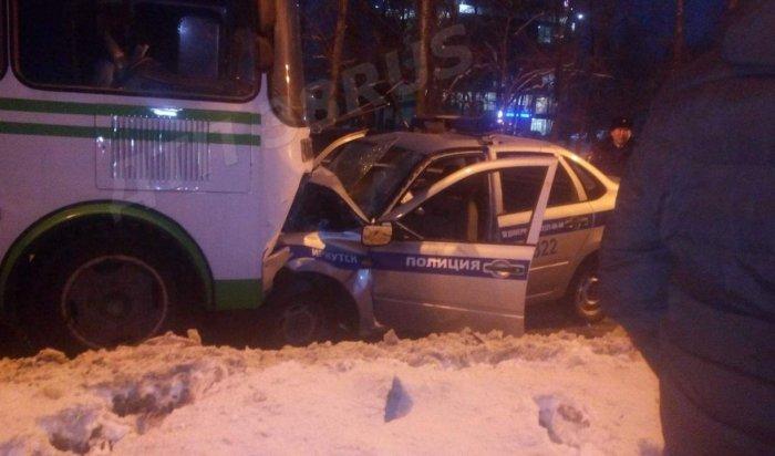 В Иркутске при столкновении пассажирского автобуса и автомобиля Росгвардии пострадали три человека