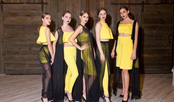 Блистательные модели представили дизайнерские вещи вИркутске