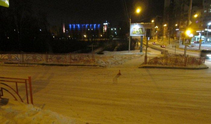 На улице Лермонтова в Иркутске водитель сбил 7-летнюю девочку и скрылся