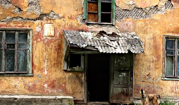 Администрации Усть-Кута и Усть-Уды пойманы на финансовых нарушениях при расселении аварийного жилья