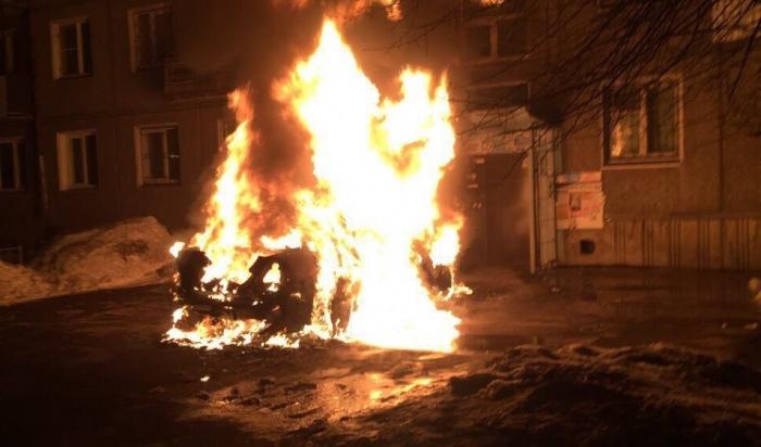 С начала года в Иркутске сгорели 84 автомобиля