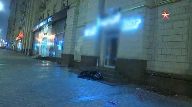 Обезглавленное тело девушки выбросили изокна наКутузовском проспекте