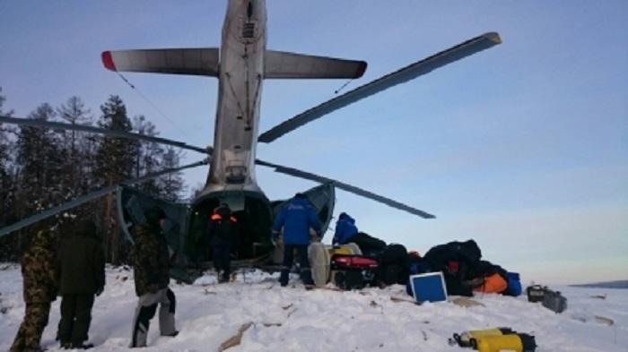 В Братском районе продолжаются поиски пассажира частного вертолета АS-350