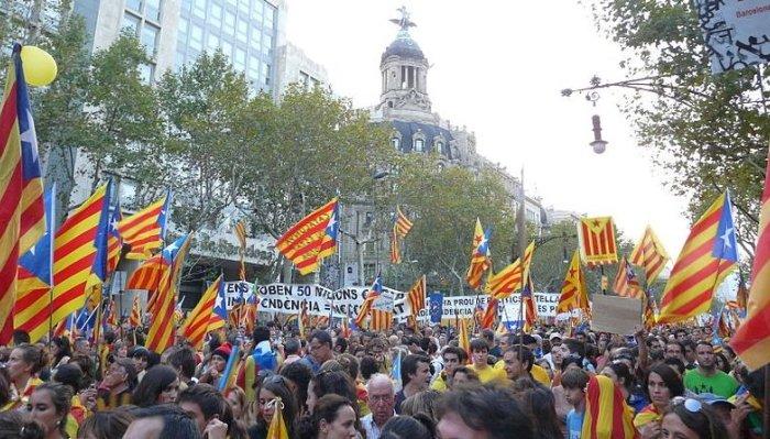 Сторонники независимости одержали победу напарламентских выборах вКаталонии