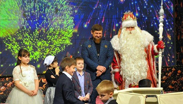 Дед Мороз назначил главу Чечни Рамзана Кадырова своим помощником
