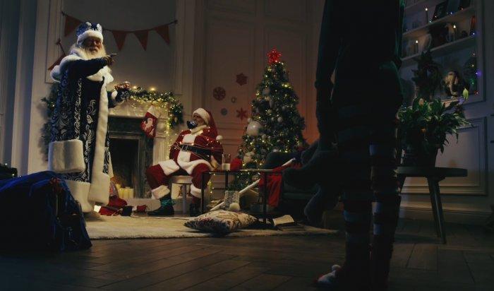 «Русские хакеры взломали Рождество»: СМИ шутят опобеде Деда Мороза над Санта-Клаусом