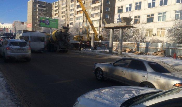 В Иркутске в районе курорта «Ангара» начинается монтаж пролетных конструкций надземного пешеходного перехода