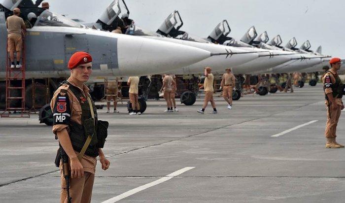 В Сирии боевики уничтожили 7 самолетов на российской авиабазе