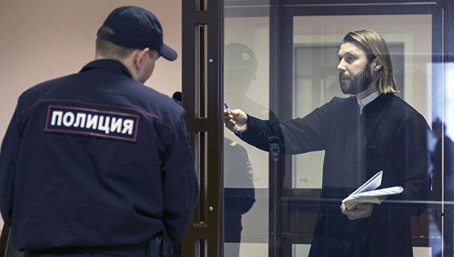 Экс-священник РПЦ Глеб Грозовский признан виновным впедофилии