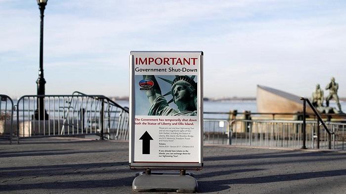 ВНью-Йорке закрыли статую Свободы из-за приостановки работы правительства США