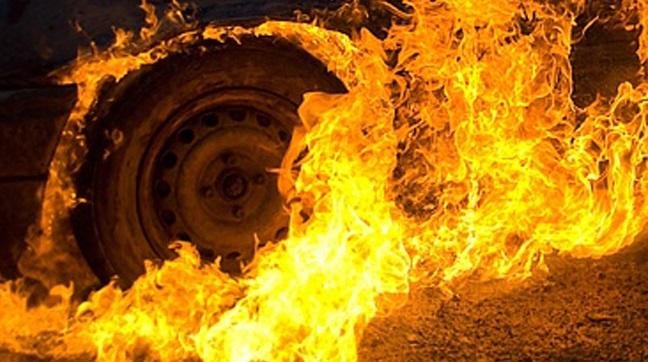 В Иркутске на улице Рабочего Штаба горел грузовик Howo A7