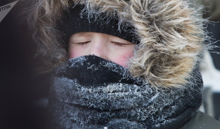 В Саратовской области полицейские спасли от гибели на морозе угонщика авто