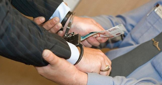 Ваэропорту Иркутска иностранец пытался дать взятку полицейскому