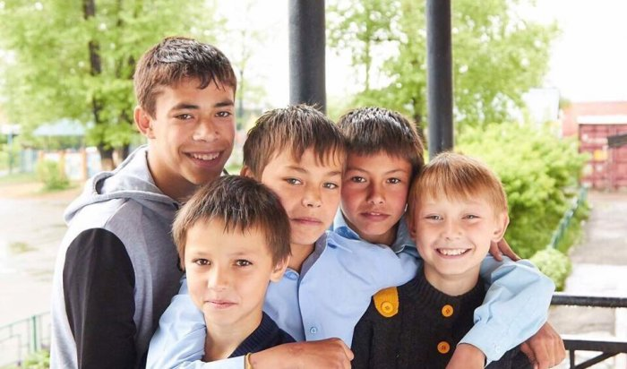 В Иркутской области пятеро братьев ищут семью