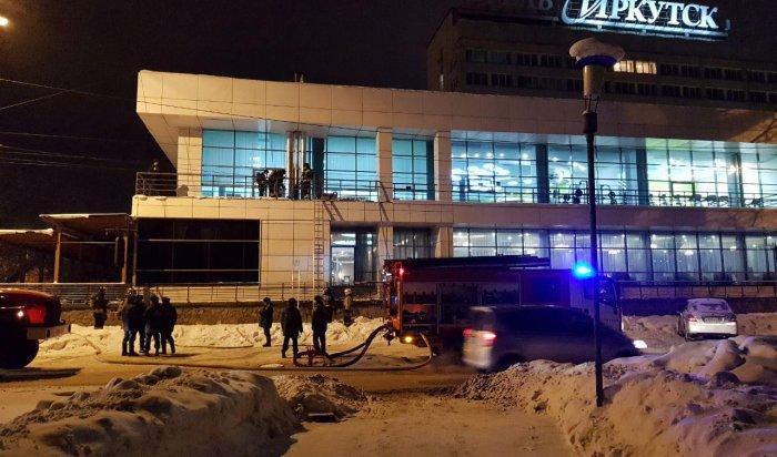 В центре Иркутска произошло возгорание в здании гостиницы (Видео)