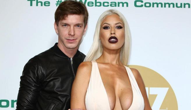 Российский порноактер Алексей Маетный завоевал четыре премии AVN Awards