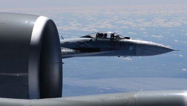 Су-27перехватил американский самолет-разведчик уграницы России