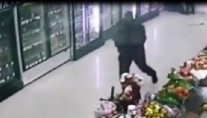 В Ангарске задержаны 6 человек, подозреваемых в ограблении магазина (Видео)