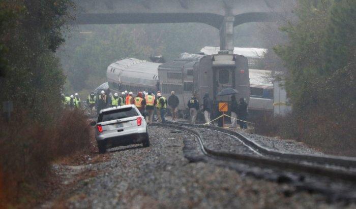 При столкновении поездов вСША два человека погибли, еще 116пострадали