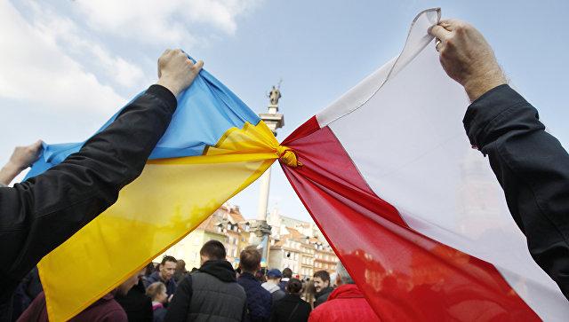 Киев опасается агрессии поляков из-за «антибандеровского» закона