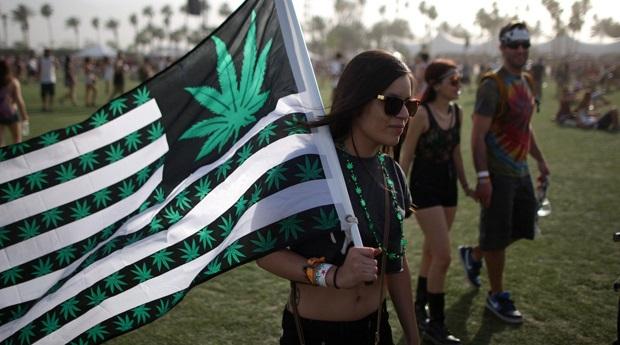 Залегализацию марихуаны вСША высказалось рекордное число американцев