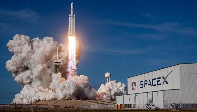 В«Роскосмосе» запуск ракеты Falcon Heavy назвали «очень хорошим трюком»