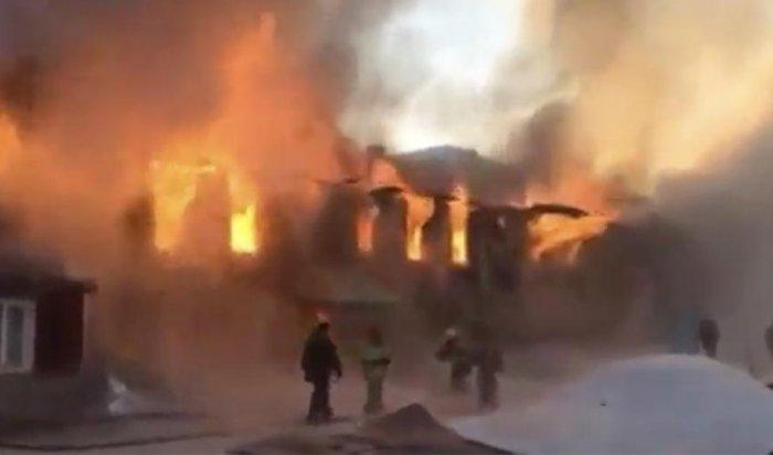 Четыре человека погибли вБурятии вовремя пожара вжилом доме