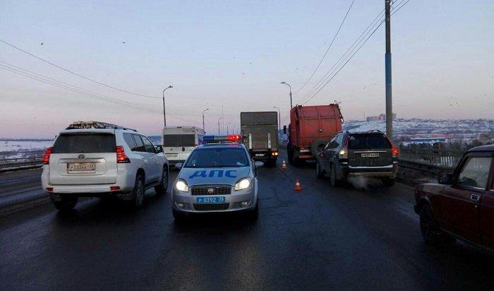 ВИркутске вДТП наИннокентьевском мосту погибла женщина-пешеход