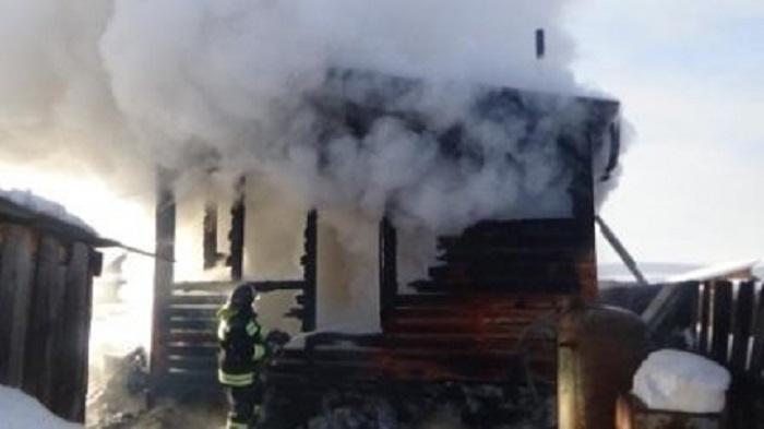 Дом инадворные постройки горели наулице Звездинской вИркутске 16февраля