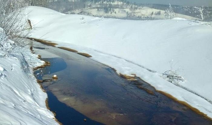 Следователи начали проверку пофакту разлива нефти вАнгаре врайоне Жилкино