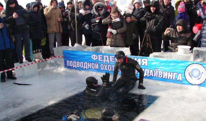 Иркутянин установил рекорд области по фридайвингу в Листвянке