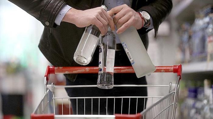 Вправительстве России предложили уничтожать контрафактный алкоголь наместе