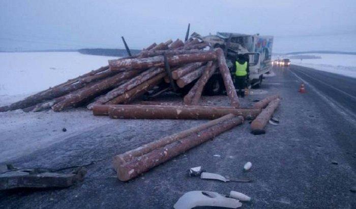 ВЧеремховском районе столкнулись молоковоз и«КамАЗ», три человека погибли
