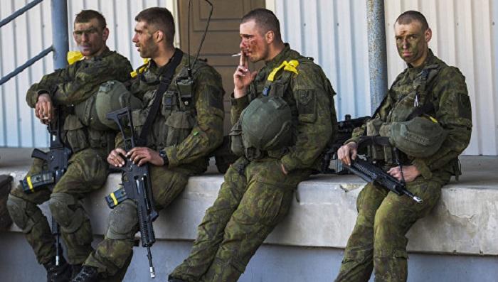 СМИ: Эстонские солдаты отказались петь про убийство русских