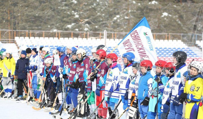 В Иркутске прошли соревнования по мини-хоккею с мячом на Кубок мэра