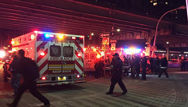ВНью-Йорке впролив рухнул частный вертолет