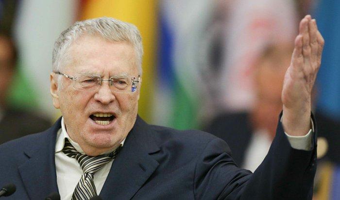 Жириновский объяснил, почему довел Собчак до слез входе дебатов