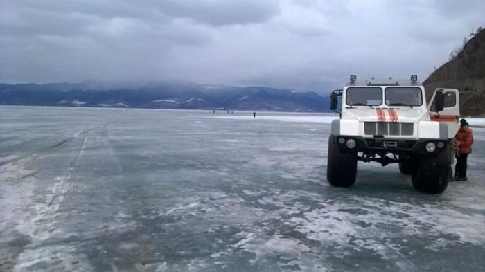 НаБайкале закрыли ледовую переправу наОльхон