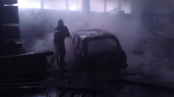 ВПриангарье сгорели три автомобиля из-за короткого замыкания