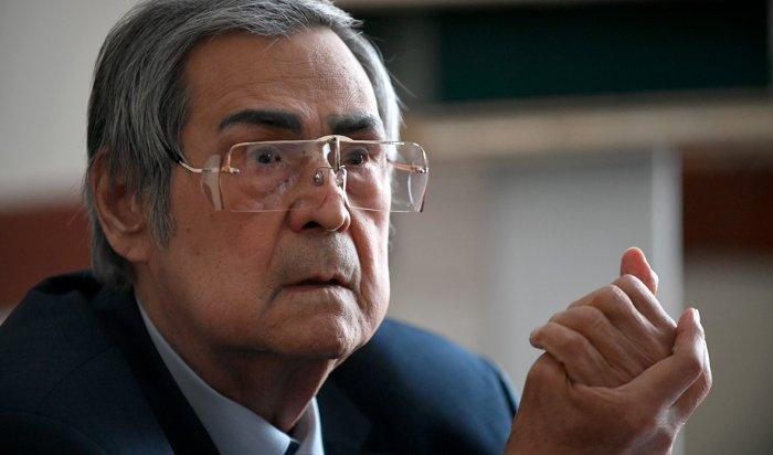 Кремль отказался «показательно» увольнять Тулеева