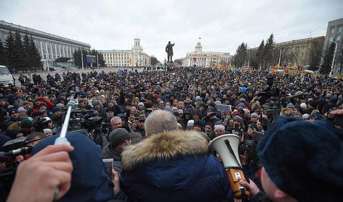 Песков объяснил, почему Путин так и не вышел на митинг в Кемерово