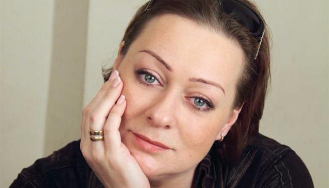 Актриса Мария Аронова  сообщила зрителям в Сургуте о невыплате гонорара