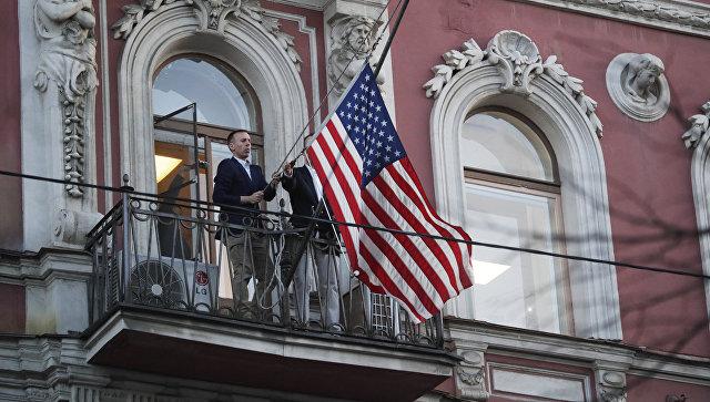 В США попросили Россию заменить высланных дипломатов