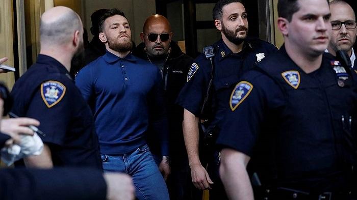 Макгрегора освободили из-под ареста подзалог в50тысяч долларов
