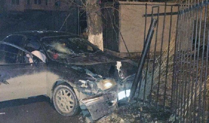 Пьяная автоледи врезалась взабор наулице 4-й Железнодорожной вИркутске